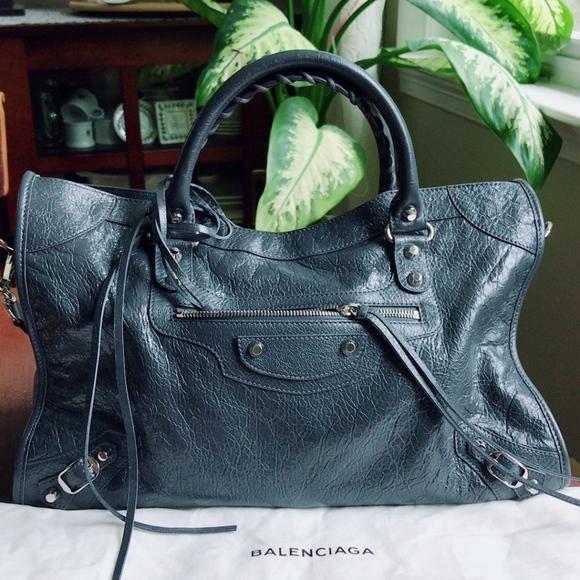 02bad16c74 Balenciaga classic city handbag